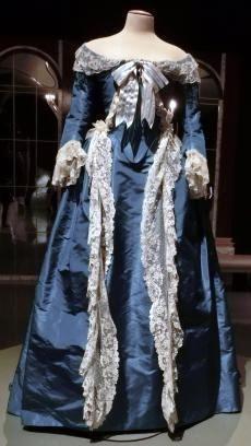 「イギリス風」ドレス(復元)