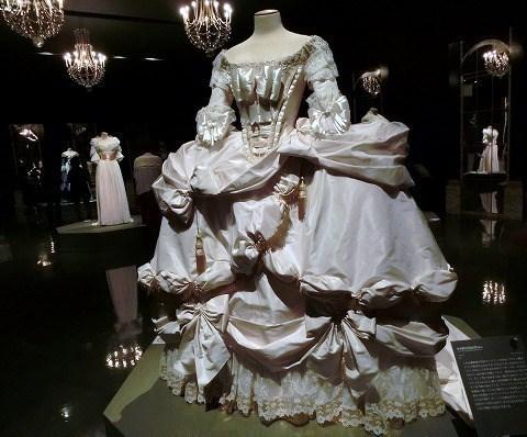 マリー・アントワネット物語展...ドレス(復元)