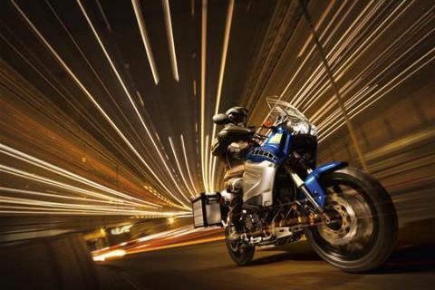 2010-yamaha-XT1200Z-Super-Tenere_VPBC5_action_004_tcm26-356154.jpg