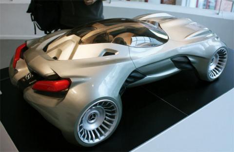 Mercedes-Merc-Cyborg-4.jpg