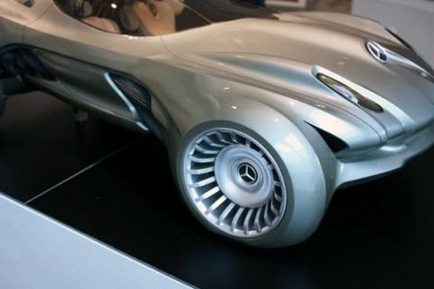 Mercedes-Merc-Cyborg-5.jpg
