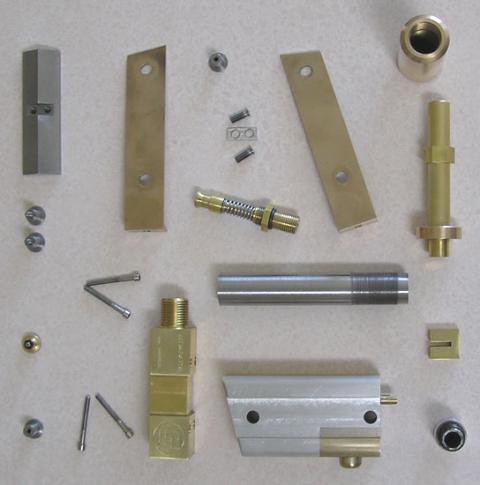 intimidator1_pistol_pieces-550h.jpg