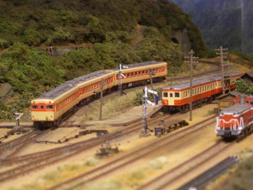 Nゲージレイアウト スイッチバック駅 キハ58 キハ52
