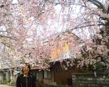 桜の下に笑顔