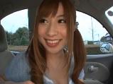 かわいい女の子が車内でフェラ抜き