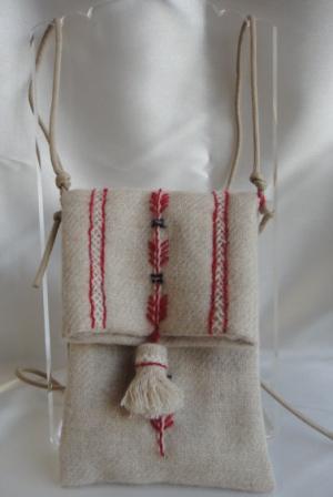 ウール刺繍ポシェット
