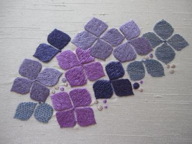 紫陽花の刺繍完成