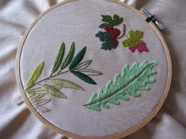 秋の葉の刺繍