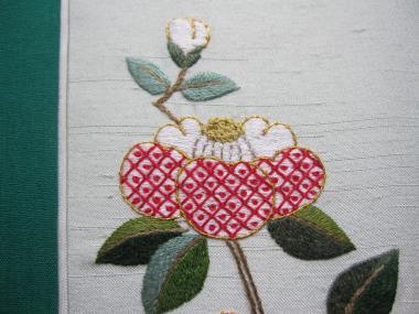 蕾と椿の花