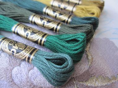 牡丹 葉の刺繍糸