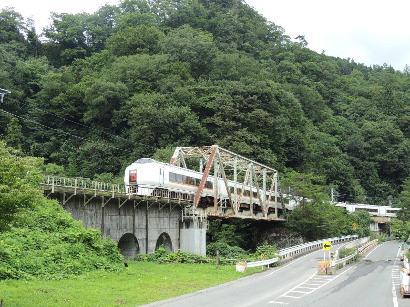651系1000番台草津号 川原湯温泉鉄橋 (4)