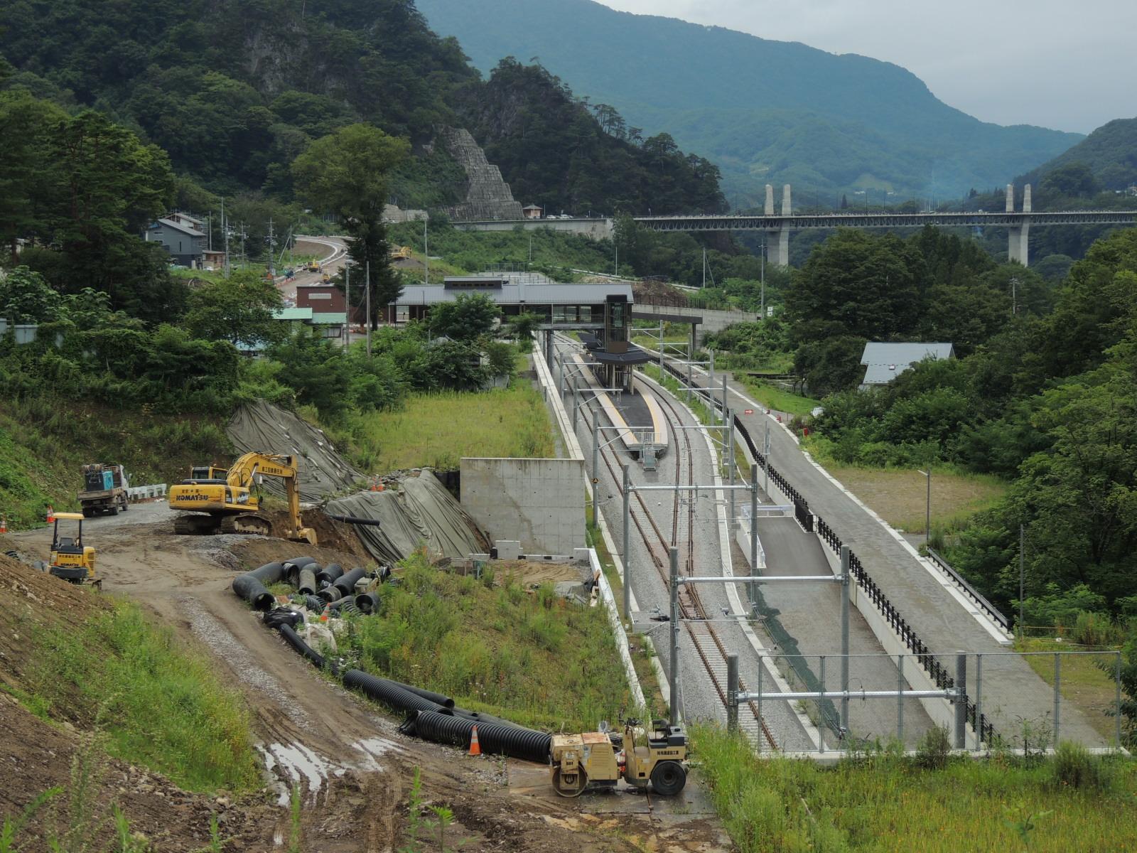 新 川原湯温泉駅と周辺 (2)
