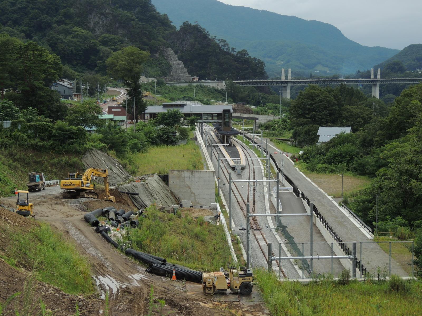 新 川原湯温泉駅と周辺 (1)
