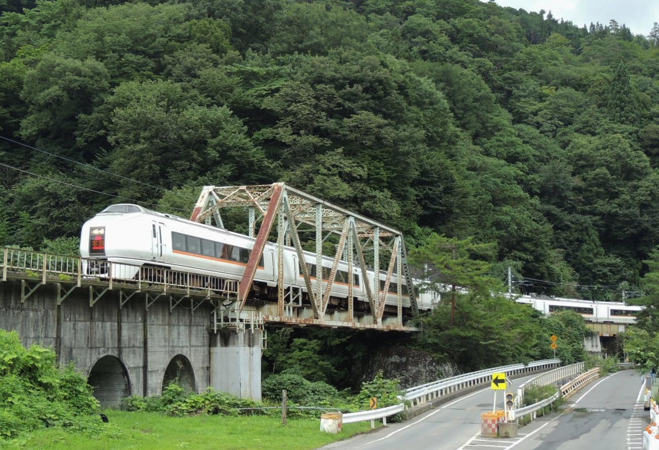 651系1000番台草津号 川原湯温泉鉄橋 (5)