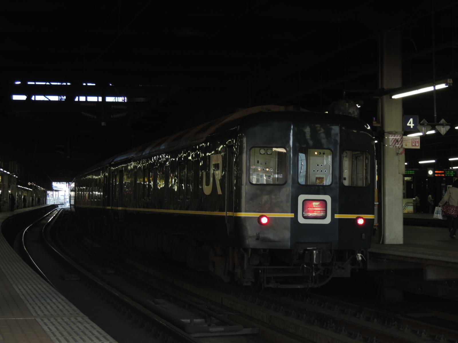 トワイライト客車より 札幌 (1)