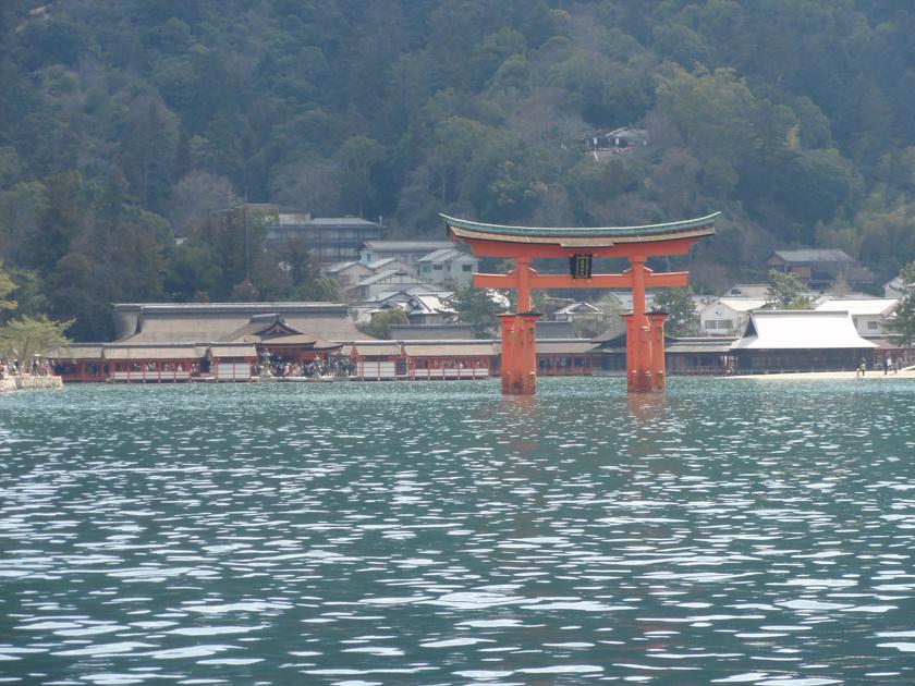 厳島神社全景