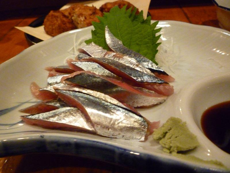 弘前の居酒屋でサンマの刺身