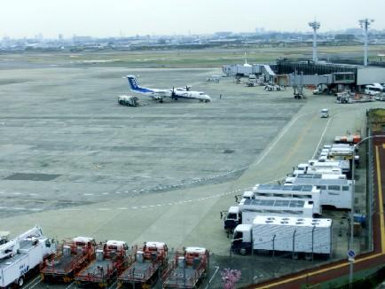 CIMG0985.大坂空港JPG
