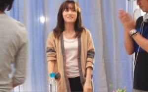 前田敦子(AKB48)の衣装(服装、洋服、ファッション)のキャプチャー画像