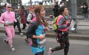 春日俊彰(オードリー)、ローラ・チャンの東京マラソン