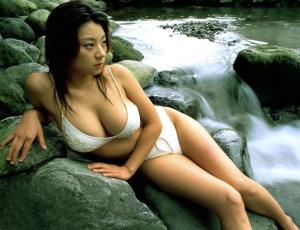 小池栄子の水着姿