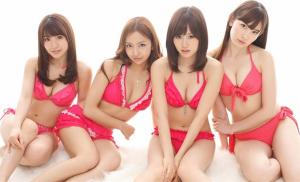 AKB48(大島優子、板野友美、前田敦子、小嶋陽菜)