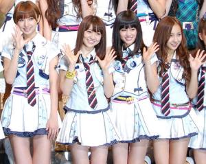 AKB48(篠田麻里子、大島優子、前田敦子、板野友美)
