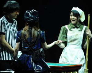 山里亮太(南海キャンディーズ)、大島優子(AKB48)、前田亜美(AKB48)