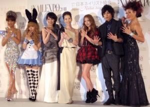 はるな愛、益若つばさ、ピンク・レディー(ミイ、ケイ)、西野カナ、山本裕典、LiLiCo