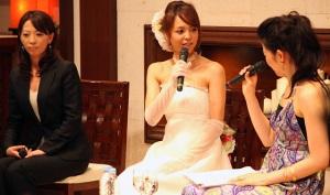 有賀明美さん、鈴木サチ