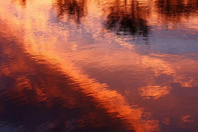 s-夕焼け池
