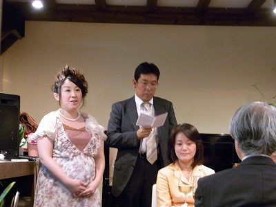 s-歌う加奈子さん