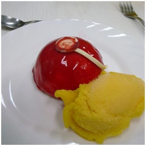 赤いデザート