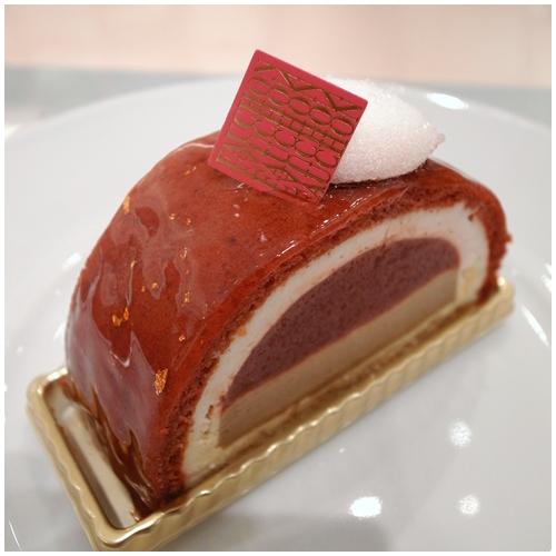 赤いケーキ