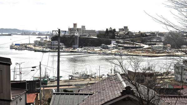高台から眺めた気仙沼港
