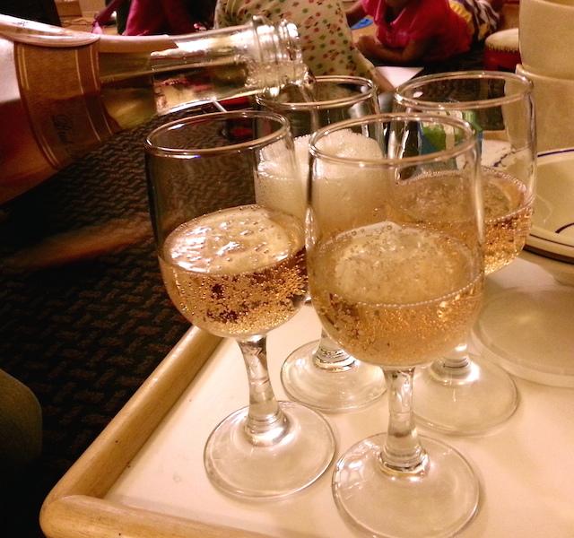 Kobel_champagne1.jpg