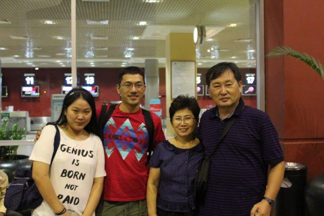 カンボジア家族4人