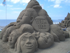 千里浜砂像2011 004