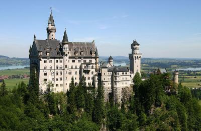800px-Castle_Neuschwanstein_convert_20110203203159.jpg