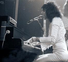 1975_freddie.jpg