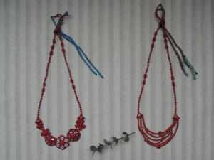 花のネックレス、チェーンチョーカー クリスマスカラー