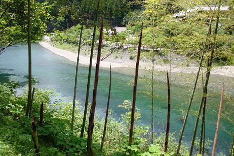 天河神社の川