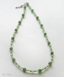 アベンチュリンのグリーン系ネックレス