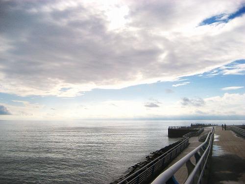 天と水平線の交差