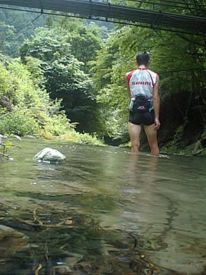 20100728檜原街道で水浴び3.JPG