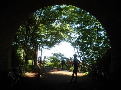 20100821丸山林道トンネル休憩中.JPG