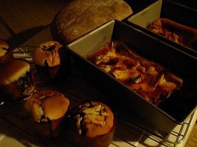 20101031ケーキとパン2.JPG