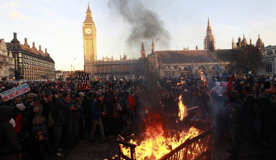 ロンドン、学生デモ