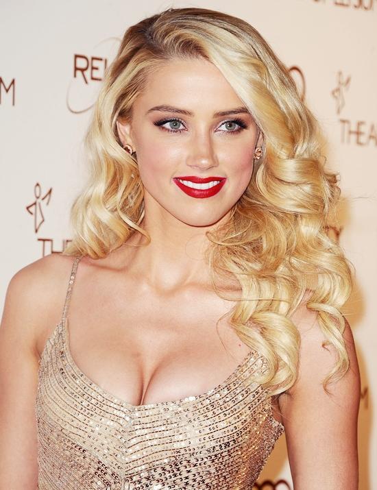 画像 : Amber Heard �...