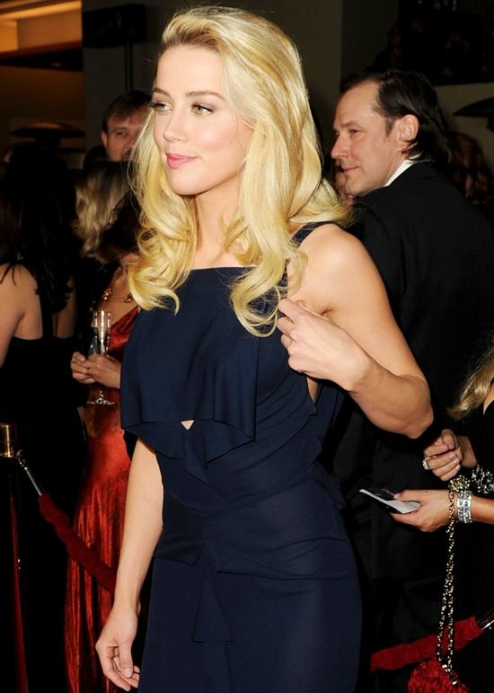 セクシードレスの女王!アンバー・ハード @ 2012 DGA AWARDS